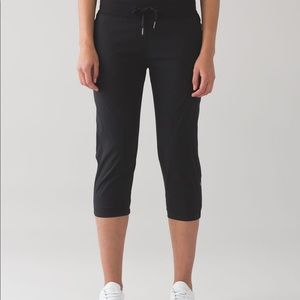 Lululemon Dance Studio Crop II Unlined